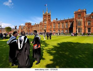 graduation-day-at-queens-university-in-belfast-cfg4jd