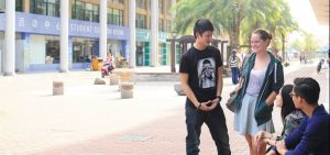 Students-on-high-street-Cropped-714x335